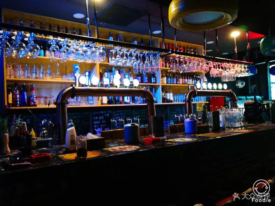 4、精酿啤酒加盟官网:精酿啤酒加盟费是多少?