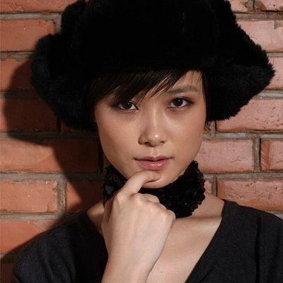 女生方脸适合什么短发发型 看看李宇春短发发型图片吧效果图