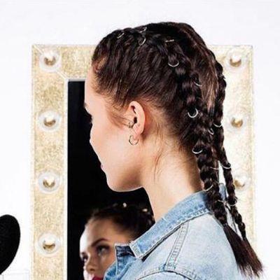 长发女生好看的芭比烫发型图片效果图图片