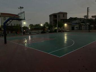 上沙篮球场