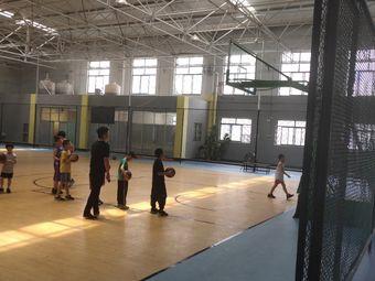 中凉篮球馆