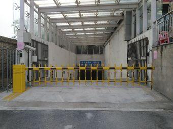 龙泊桂园-地下停车场