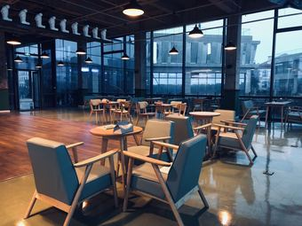 湖光楼艺术咖啡&酒吧The Lakeview Cafe&Bar(临江店)