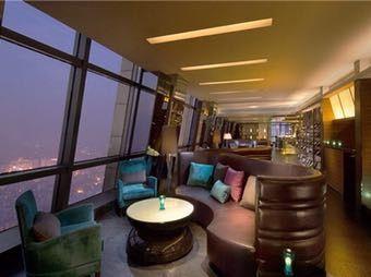 利和希尔顿酒店碧空酒吧