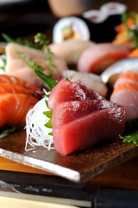 济南经四万达广场附近吃自助餐的餐馆