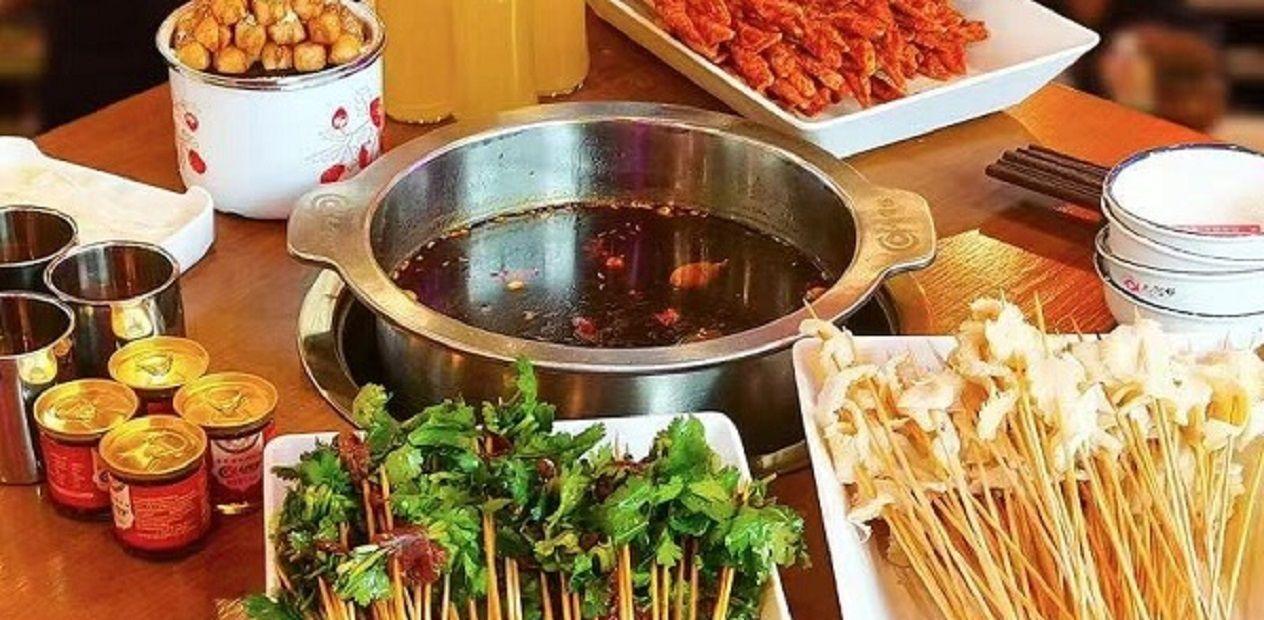 美团圈圈眉山站 | 六里桥串串丨2人餐丨新鲜食材看得见,串串就选【六里桥】