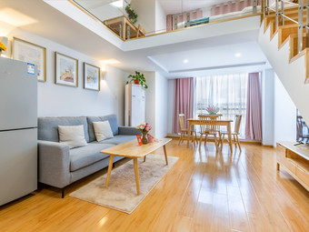 【波波民宿】瘦西湖东关街古运河个园loft复式公寓