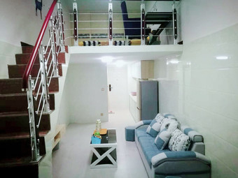 新天地LOFT复式落地窗公寓,离火车站、汽车站、万达商业圈、上庐山都特别方便