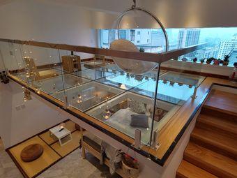 东方红广场西口全玻璃loft玻璃房