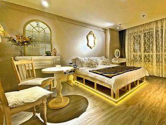 【朝暮·精舍】法式香风浪漫氛围投影大屏舒适大床