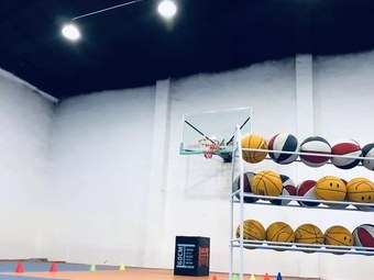 威乐篮球(洹园校区)