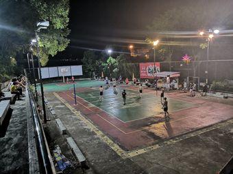 石花文化广场篮球场
