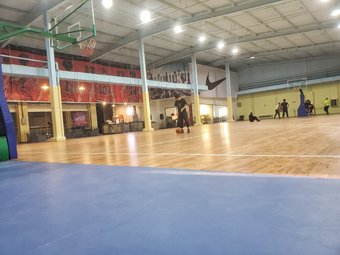 聚星汇篮球公园